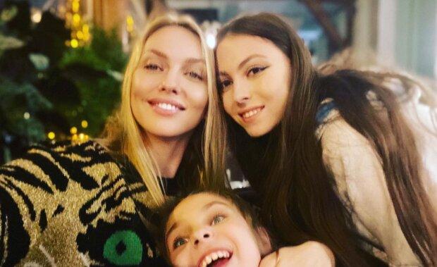 Оля Полякова с детьми, фото: instagram.com/polyakovamusic