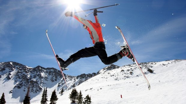 Екстремальний відпочинок у Карпатах не залишив шансів: відомого лижника шукають вже дві доби