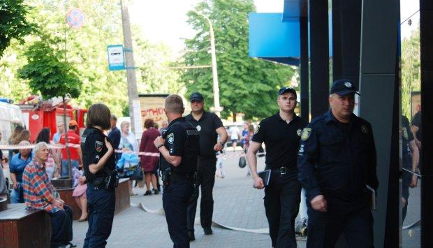 На Харьковщине исчезла девочка, поход в кафе может обернуться страшным: родители выплакали все глаза