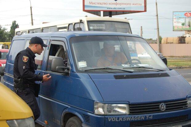 """Во Львове неравнодушные горожане задержали любителя погазовать """"под мухой"""": больше за руль не сядет"""