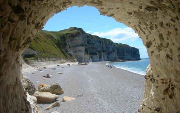 Уникальный пляж скрывает историю, раздирающую душу
