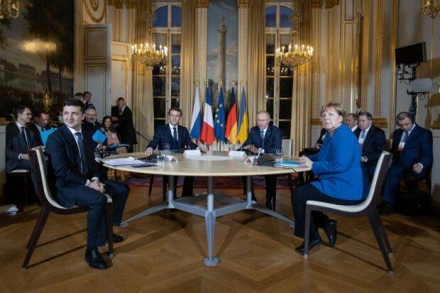 Переговори Зеленського і Путіна завершилися не так, як планувалося: готується термінова прес-конференція
