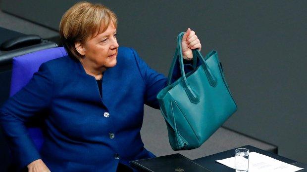 Путін по-хамськи привітав Меркель і Макрона: не вчіть, факти б'ють по очах
