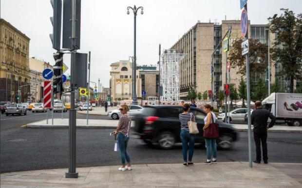 Таксист протаранил толпу пешеходов в центре Москвы