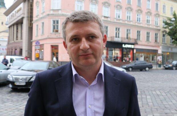 Юрій Романенко, Facebook