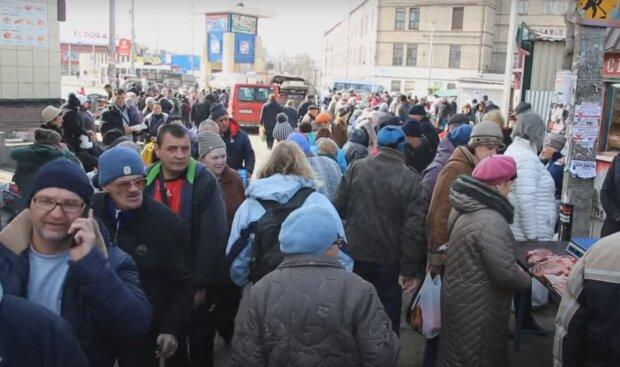 """Буряк закрутил гайки стихийной торговли в Запорожье - больше никакого """"сальца"""" с земли"""