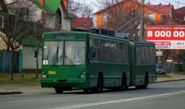 """Київпастранс"" приховує, за  яку суму  гонщики ""Формули-1"" керуватимуть тролейбусами"