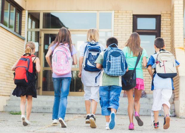 Немає щеплень – сидіть вдома: що потрібно знати батькам майбутніх школярів