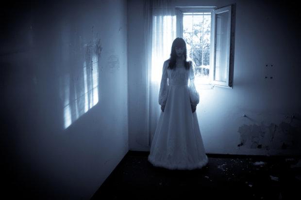 Леді у білому: в старовинному маєтку спіймали привида