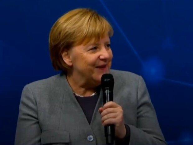 Ангела Меркель, скрін з відео