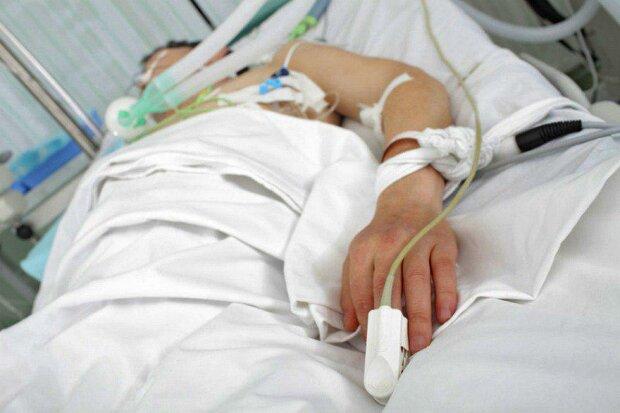 Сломал руку и впал в кому: франковец две недели не приходит в себя, - родные обратились в копам