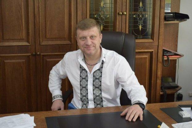 Порошенківський посіпака Самардак, що розорив Яворівський район, намилився до Ради: під шумок стати князьком