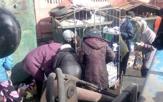 Будни сверхдержавы: под Москвой люди подрались за отходы