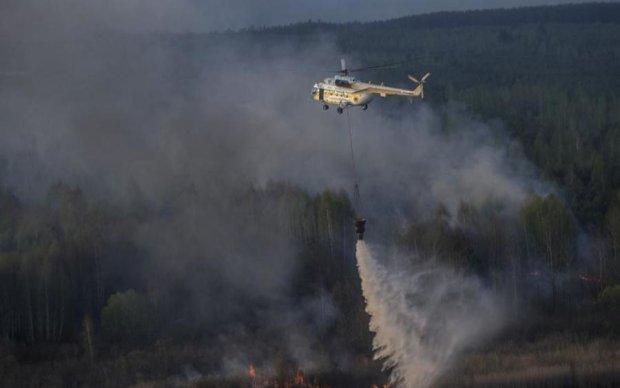 Пожар в Чернобыле: спасатели не справляются с адским огнем