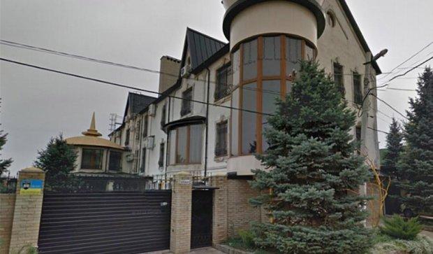 """Журналисты нашли дворец Захарченко, """"отжатый"""" у местного бизнесмена (фото)"""