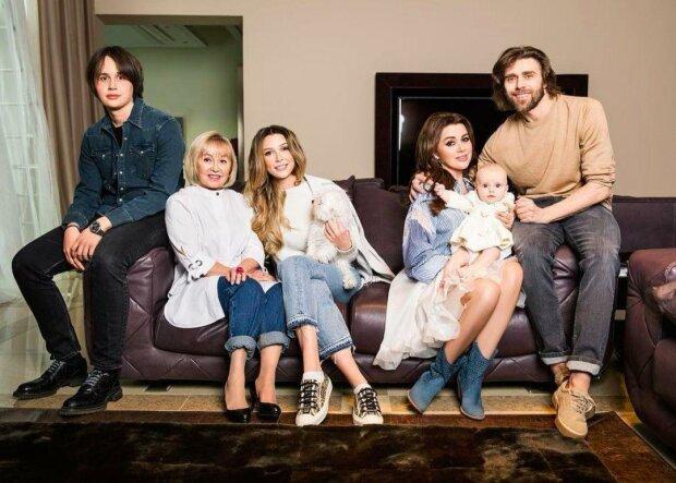 Можливо останні щасливі моменти: в мережі з'явилися фото сімейної ідилії Заворотнюк