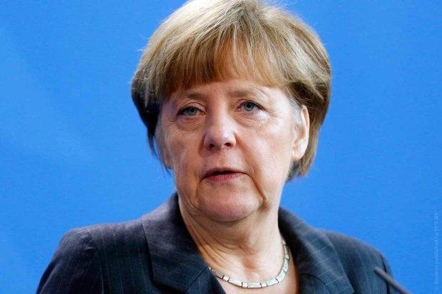 """""""Пам'ятати про цей злочин"""", - Меркель покаялася перед усім світом"""