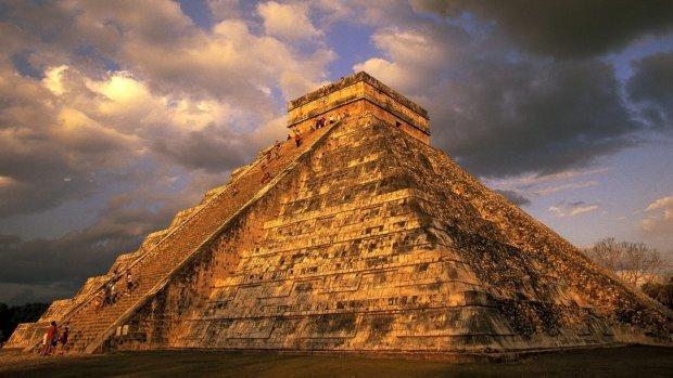 Майя залишили багато загадок: знайдено стародавню усипальницю могутньої цивілізації, вражаючі артефакти