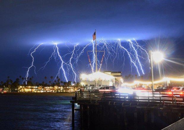 Прибульці атакували Землю блискавками: це тільки початок