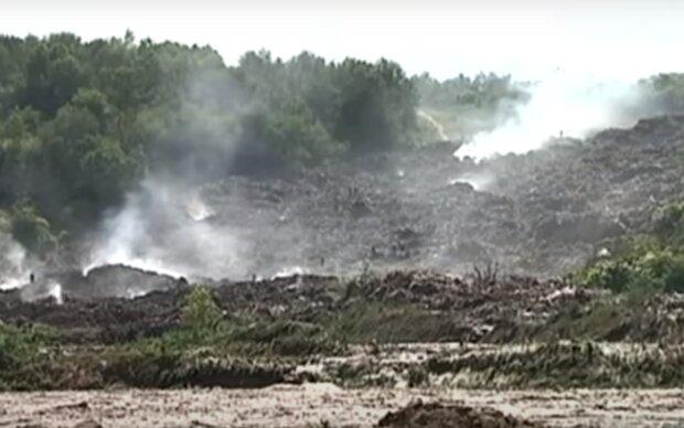 Тернопільщина ризикує повторити долю Грибовицького полігону - звалища палають, сморід і дим на кілометри