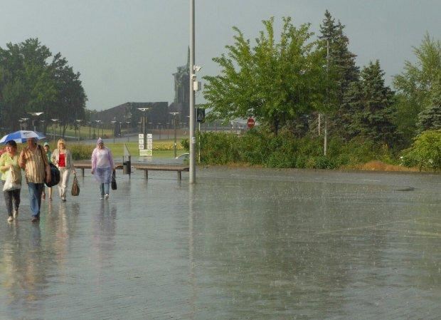Погода на 30 квітня: противні дощі зіпсують плани мільйонів українців