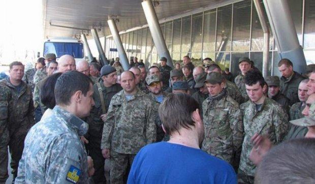 Военные отказываются оставлять Широкино (фото)