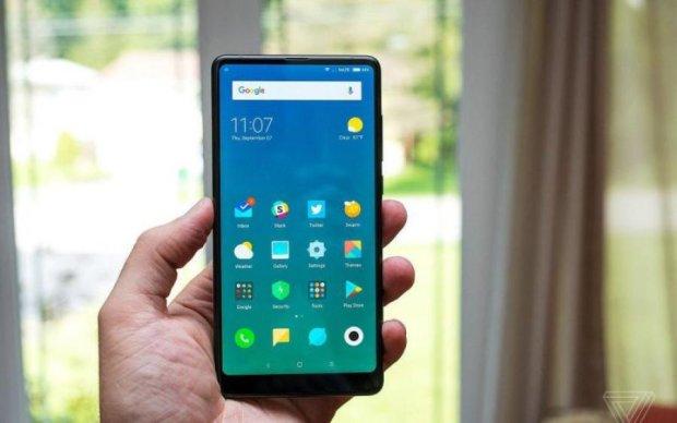 Xiaomi представила безрамочную версию iPhone X - Mi Mix 2S
