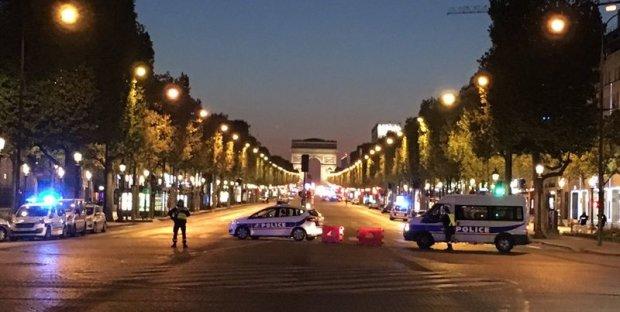 Крики та натовп поліції: невідомий відкрив стрілянину у центрі столиці