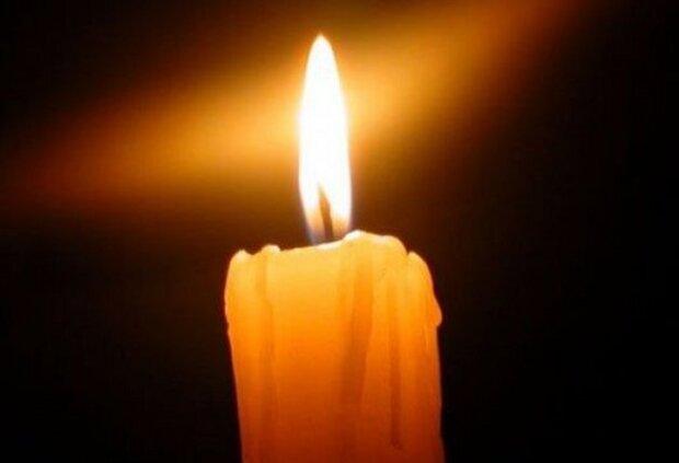 Траурная свеча, фото из свободных источников