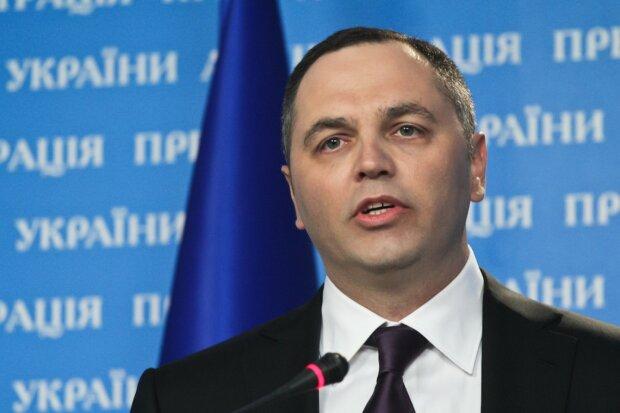 """Facebook видалив сторінку Портнова: за що """"покарали"""" ексрадника Януковича"""