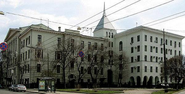 """Суд """"простил"""": два люстрированных при Порошенко харьковских прокурора вернулись в кресла"""