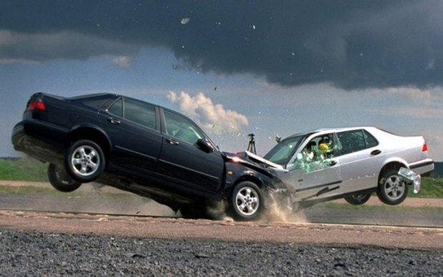 Одразу три авто зіткнулися під Броварами
