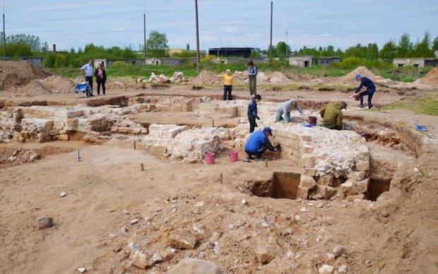 Українські археологи розкопали стоянку кам'яного віку: відео