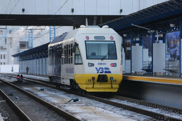 Бориспільський експрес знову не доїхав до аеропорту, пасажирів вигнали на вулицю