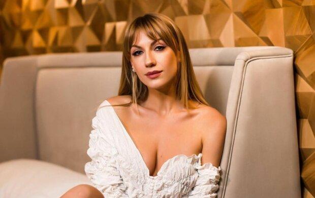 """Леся Никитюк показала обручалку на пальчике: """"План Б"""""""