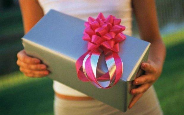 Не принимайте их: известная экстрасенс рассказала всю правду о подарках