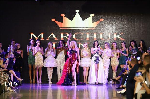 Діаманти і чисте золото: в Україні створили найдорожчу сукню, від вартості і фото падає щелепа