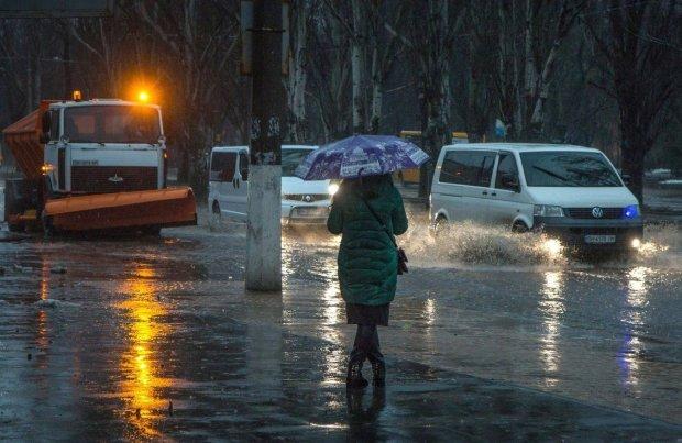 Погода на 11 апреля: грозы и дожди ударят по Украине