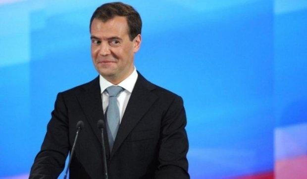 Навальный раскрыл коррупционные связи Медведева