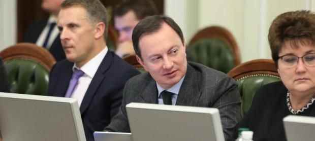 Дмитрий Андриевский: скандальные схемы нардепа-решалы