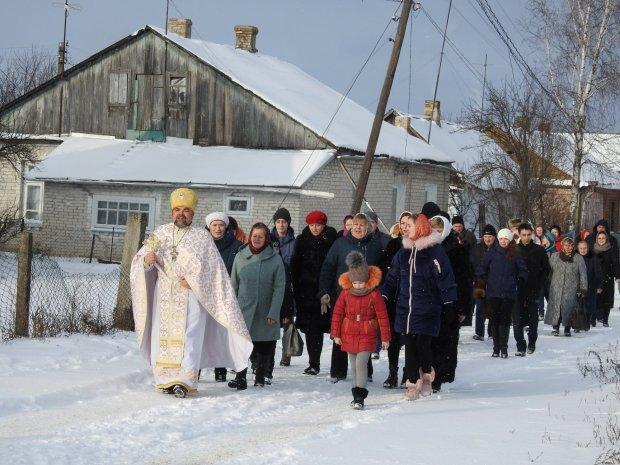 За методичкою Путіна: московські попи залякують українських священиків