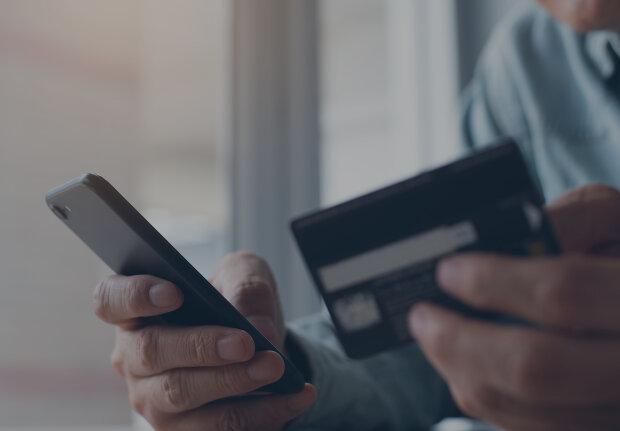"""Українців кошмарять """"мобільні"""" шахраї: один дзвінок, і грошей немає"""