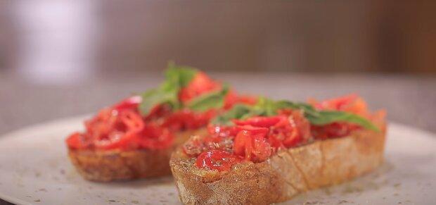 Рецепт неймовірно простого і смачного сніданку для всієї родини: бутерброди з фірмовим інгредієнтом