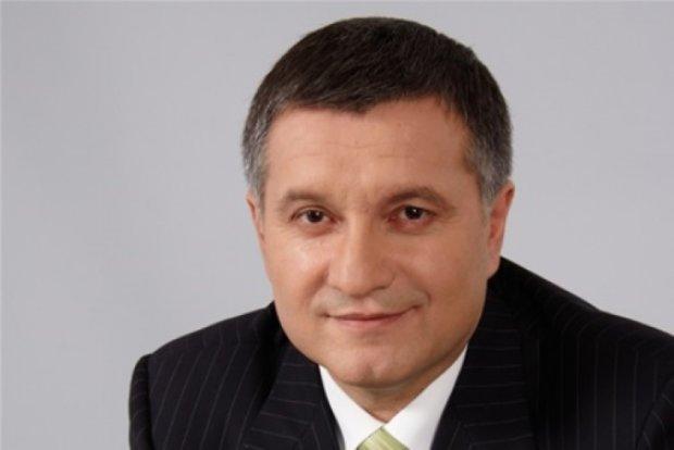 Аваков пропонує встановити відеофіксацію на великих трасах