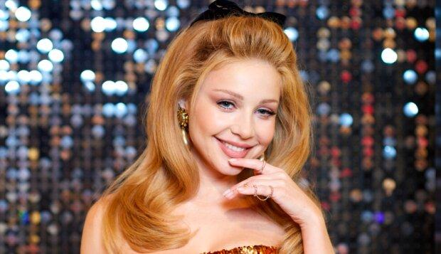 """Чарівна принцеса, Свинка Пеппа чи Пряничок? Найнезвичайніші образи Тіни Кароль для шоу """"Різдвяна історія"""""""