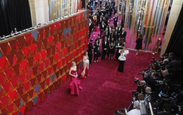 Нічим прикритися: знамениті актриси вийшли в люди без білизни