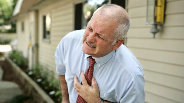 Три небезпечні дзвіночки серцевого нападу: ніколи не ігноруйте, помітивши у себе ці симптоми