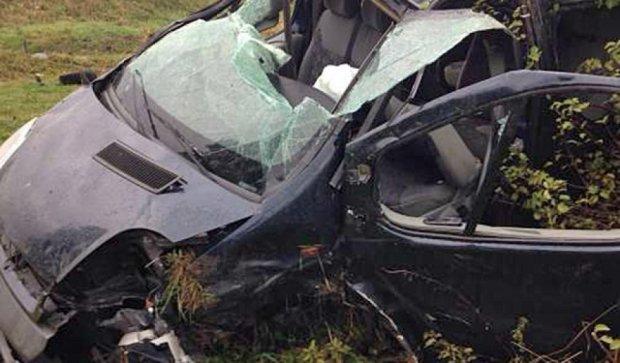 На Львівщині розбився автомобіль з громадянами Словаччини (фото)