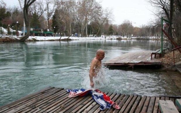 Пограбування моржа: голого українця залишили замерзати на вулиці