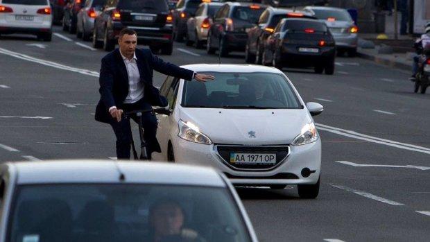 Кличко признался в ужасном состоянии дорог Киева: претензии предъявить некому